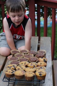Extension Lesson - making muffins - John is negotiating when he can have a taste